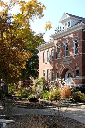Central College (Iowa) - Central College's oldest building, Jordan Hall