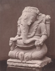 KITLV 87696 - Isidore van Kinsbergen - Sculpture of Ganesha at Wonosobo - Before 1900.tif