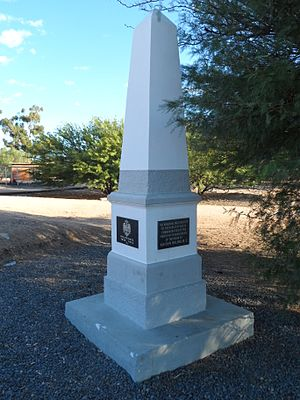 Aus, Namibia - Image: Kaiser Wilhelm Denkmal Aus Namibia 2