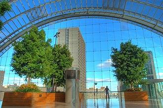 Kimmel Center for the Performing Arts - Image: Kimmel Center Roof Garden