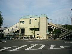 서쪽 출구(2006년 5월 5일)