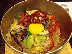 Korean cuisine-Jeonju bibimbap-01.jpg