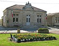 La Mairie de Jau Dignac et Loirac.jpg