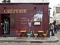 La crêperie de la mouette qui chie, Paris 2010.jpg