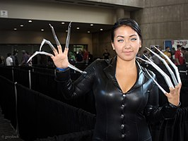Cosplayer als Lady Deathstrike, 2013.