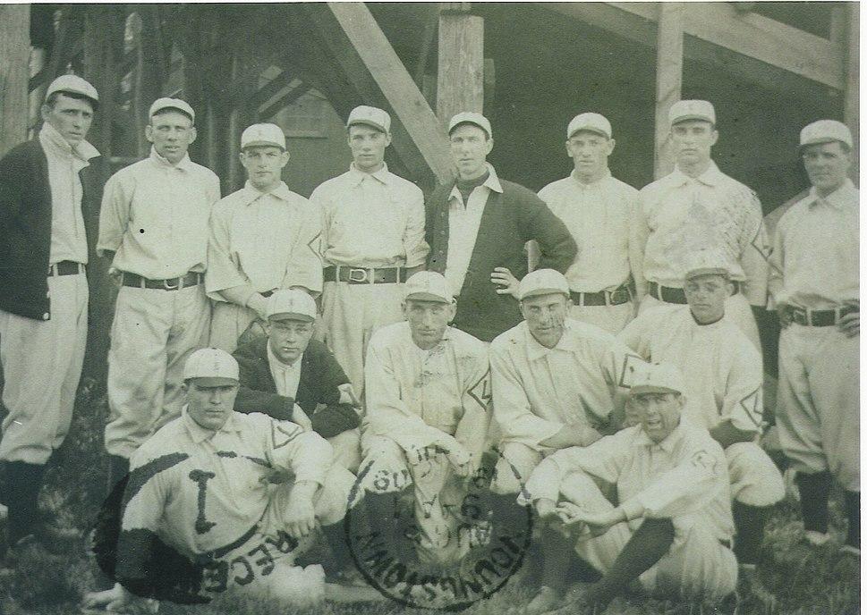 Lancaster Red Roses baseball team (team photo, 1909)
