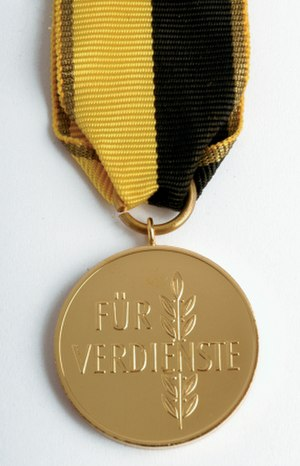Order of Merit of Baden-Württemberg - Image: Landesorden Vorderseite