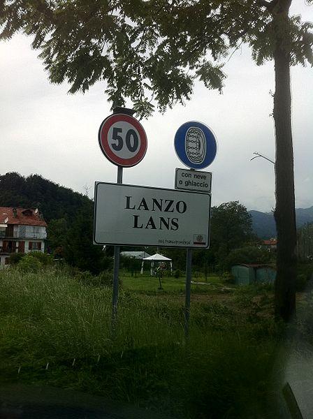 File:Lanzo Torinese bilingue.jpg