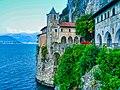 Leggiuno Monastero di Santa Caterina del Sasso Chiesa Esterno 4.jpg