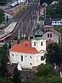 Libčice nad Vltavou, kostel a nádraží.jpg
