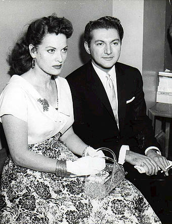 O'Hara with Liberace in 1957 Liberace and O'hara - 1957.jpg