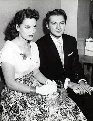 Liberace and O'hara - 1957.jpg