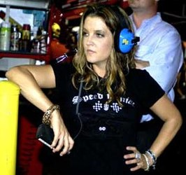 Lisa Marie Presley tijdens de Daytona International Speedway 2005