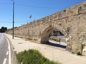 Wignacourt Aqueduct - Lone arch at Balzan