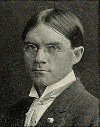 Loye H. Miller circa 1909.jpg