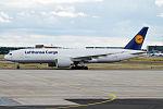 Lufthansa Cargo, D-ALFD, Boeing 777-FBT (20353445885).jpg