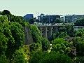 Luxemburg – Passerelle – Viadukt über das Tal der Petrusse - Viaduc sur la vallée de la Pétrusse - panoramio.jpg