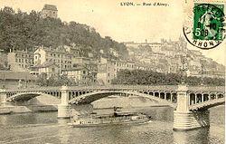 Lyon - Pont d'Ainay - flamme de 1908.jpg