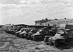 Mátyásföld, Újszász utca 41-43. Magyar Királyi Honvéd gépkocsiszertár udvara, Ansaldo típusú kisharckocsik. Fortepan 72255.jpg