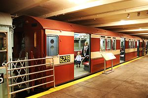 R15 (New York City Subway car) - R15 car 6239 on display at the New York Transit Museum.