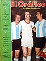 Madurga y Perfumo (Argentina) y Beckenbauer (Alemania) - El Gráfico 2674.jpg