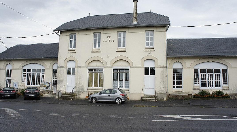Vue de la Mairie Souain.