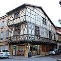 Maison pans bois 31 rue Gaulle Charlieu 3.jpg