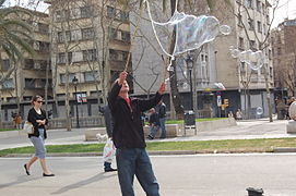 Making giant soap bublles in Barcelona March 2015 (4).JPG