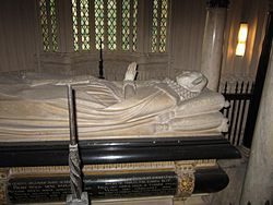 Mary I of Scotland grave 2013.jpg