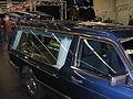Mercedes-Benz 240 D Leichenwagen schlecht r.jpg