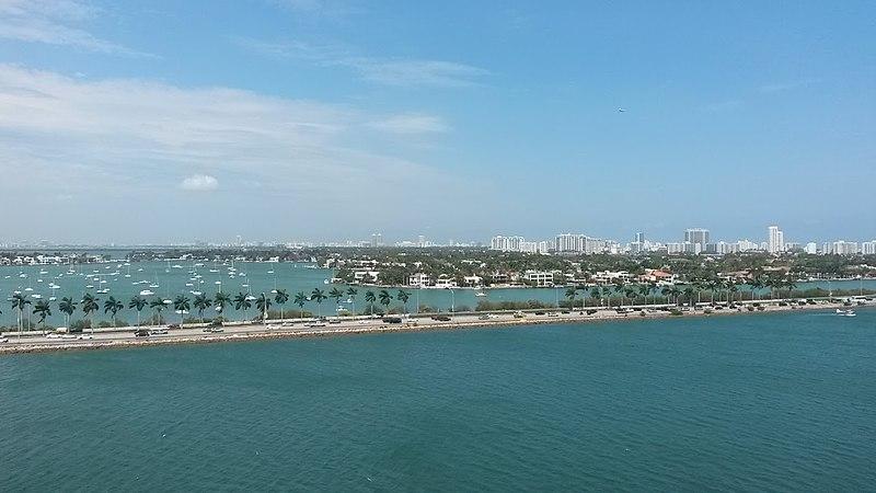 File:Miami Coast 2.jpg