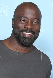 Mike Colter Photo Op GalaxyCon Minneapolis 2019.jpg
