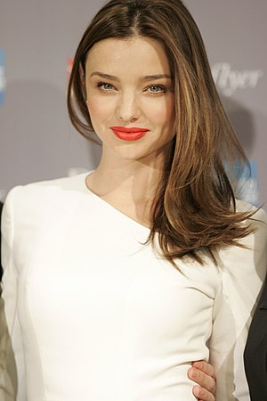 Victoria's Secret Fashion Show 2009 - Image: Miranda Kerr launches new Qantas Frequent Flyer Rewards Alliance Sydney (4)