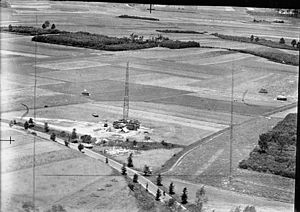 Gee (navigation) - Low-level photo of a light mobile Gee station operating in a field near Roermond, Holland. These forward stations provided Gee coverage deeper into Germany, as well as strong signals for aircraft returning to bases in western Europe.