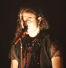Fernando Ribeiro during concert in Klub Studio, Kraków, Poland 2007