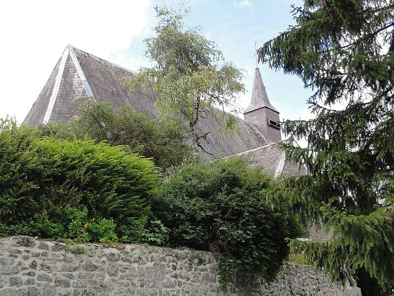 Moustier-en-Fagne (Nord, Fr) église par derrière
