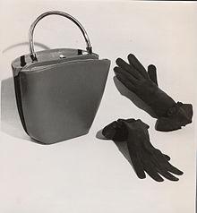3c78a5d45 Bolso de la colección primavera-verano de 1954 de Pedro Rodríguez