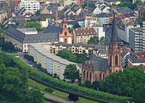 Sachsenhausen (Frankfurt am Main) - Image: Museumsufer teil 1 ffm 001