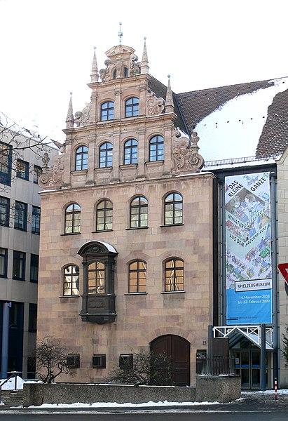 нюрнберг(продолжение) 411px-N%C3%BCrnberg_Spielzeugmuseum