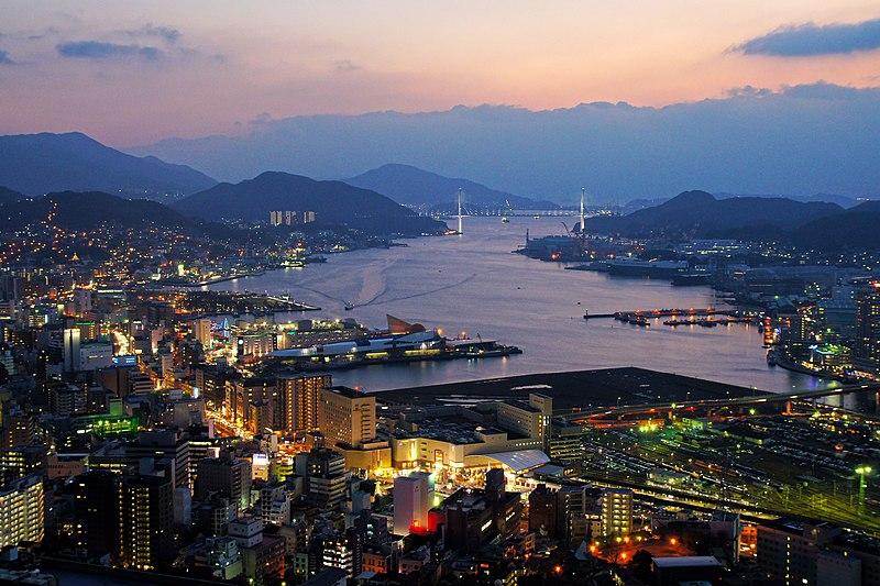800px-Nagasaki_City_view_from_Hamahira01s3.jpg