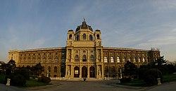 Naturhistorisches Museum Wien - Panorama.jpg
