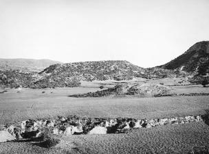 Nekropolberget från söder. Paleoskoutella - SMVK - C02614.tif