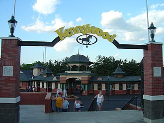 Kennywood - Main gates to Kennywood