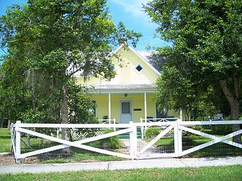House in the New Smyrna Beach Historic Distric...