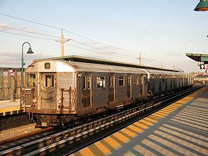 New York City Subway R32 train on the Rockaway shuttle.jpg