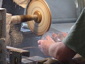 Nižbor glassworks - Carving glass