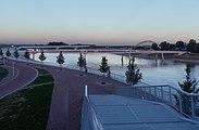 Nijmegen, de (Verlengde) Waalbrug RM523067 en de Lenteloper foto10 2016-08-24 20.20.jpg