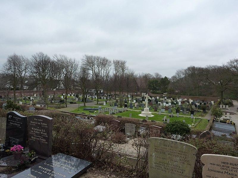 800px-Noordwijk_Algemene_Begraafplaats.JPG