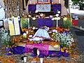 Ofrenda de Día de Muertos 06.jpg