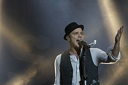 Olly Murs on New Zealand 3.jpg